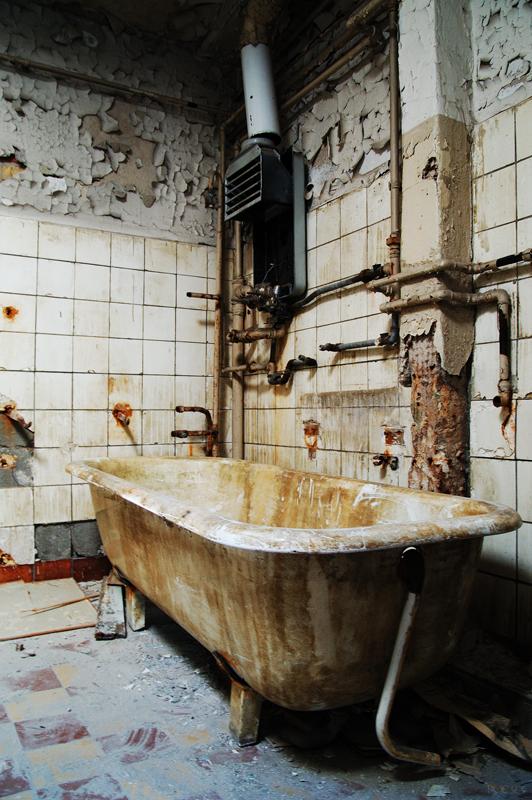 001_bath tub