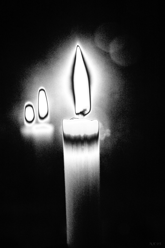 002_the candle