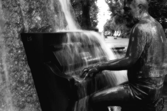 water piano